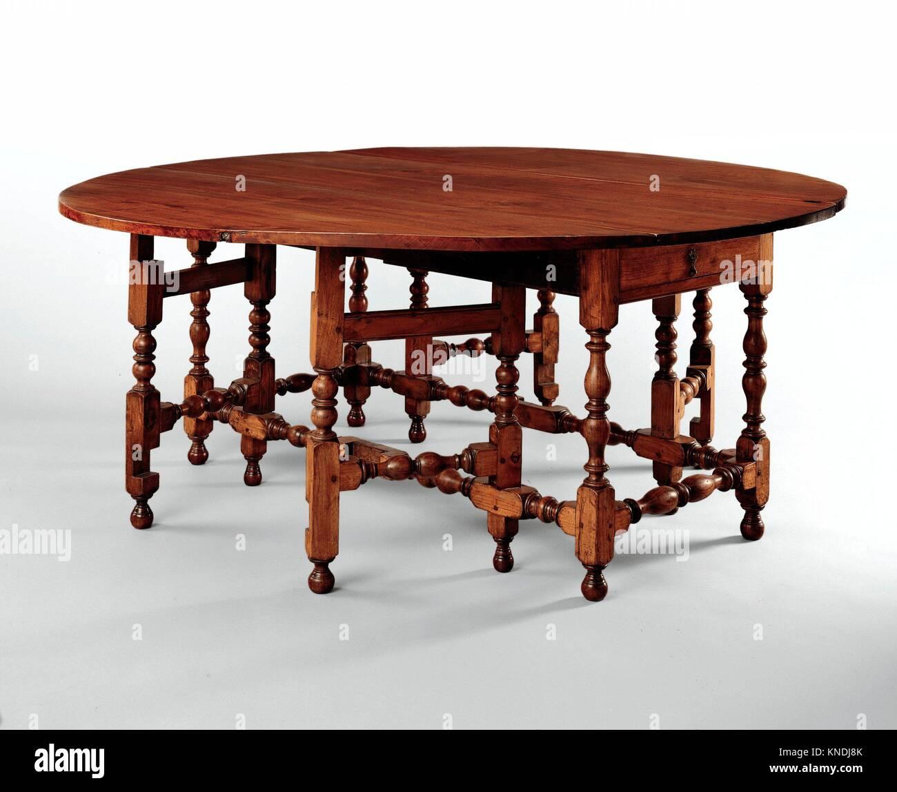 Ovaler Tisch mit fallenden Blätter. Datum: 1690-1720; Geographie: in Boston, Massachusetts, USA, die in der Kultur: American; Mittel: Schwarze walnuss, Stockfoto