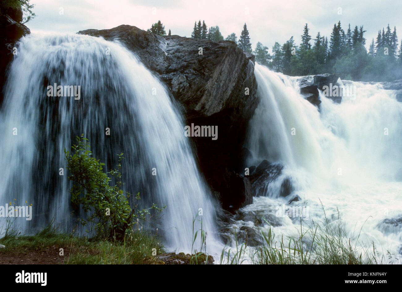 RISTAFALLET im schwedischen Jämtland eine der großen Wasserfall in Schweden am Indalsälven 2011 Stockbild