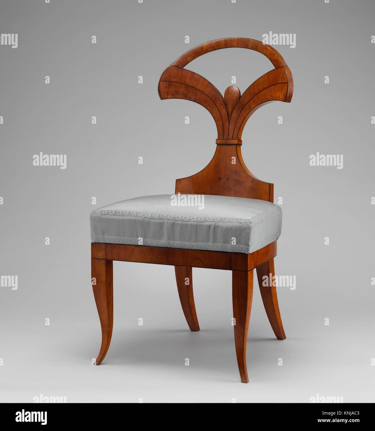 Side Chair (einer Der Beiden). Schöpfer: Kreis Von Josef