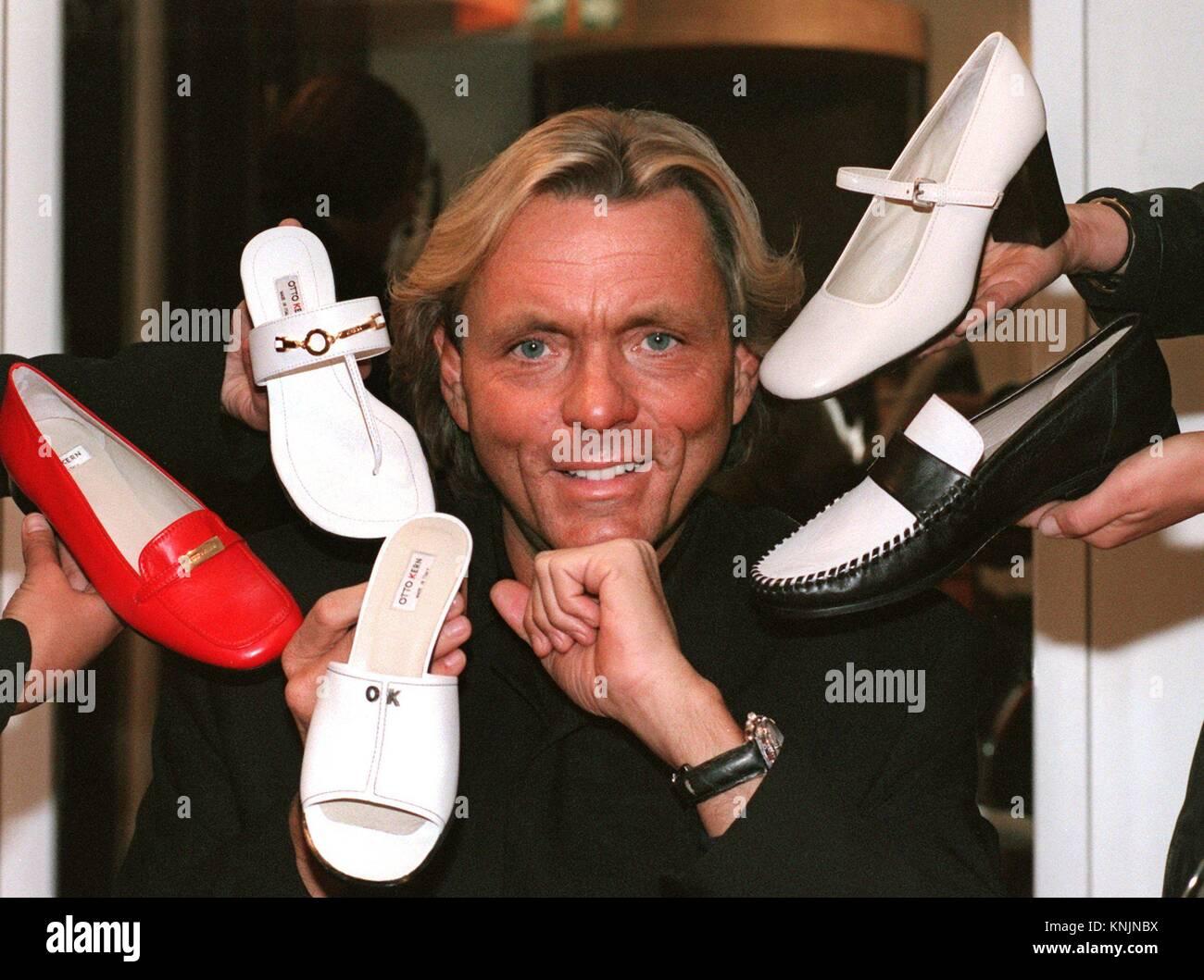 Archiv - der Mode Unternehmer Otto Kern präsentiert seine Schuhkollektion  auf der Internationalen Schuhmesse (GDS) in Düsseldorf, Deutschland, 15. d58fc02365