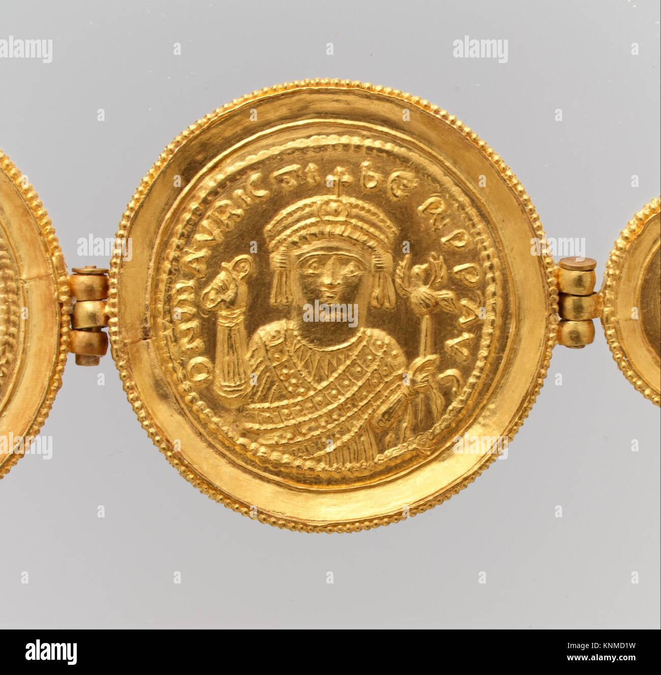 Gürtel Mit Münzen Und Medaillen Met Dp 30688 464030 Byzantinischen