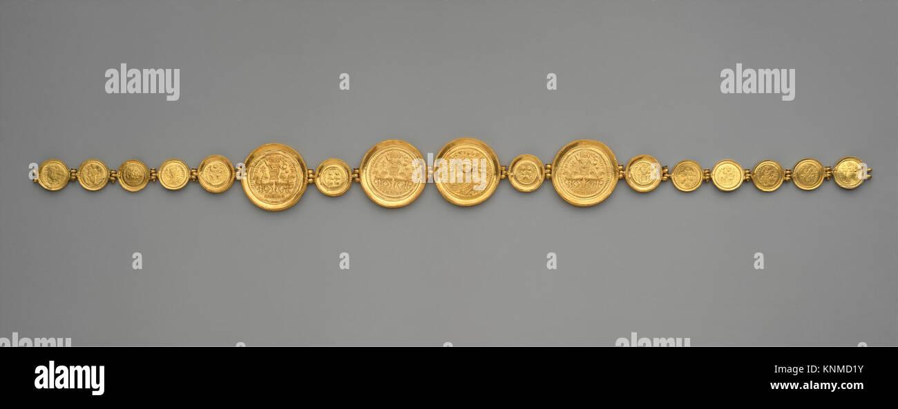 Gürtel Mit Münzen Und Medaillen Met Dt 224195 464030 Byzantinischen