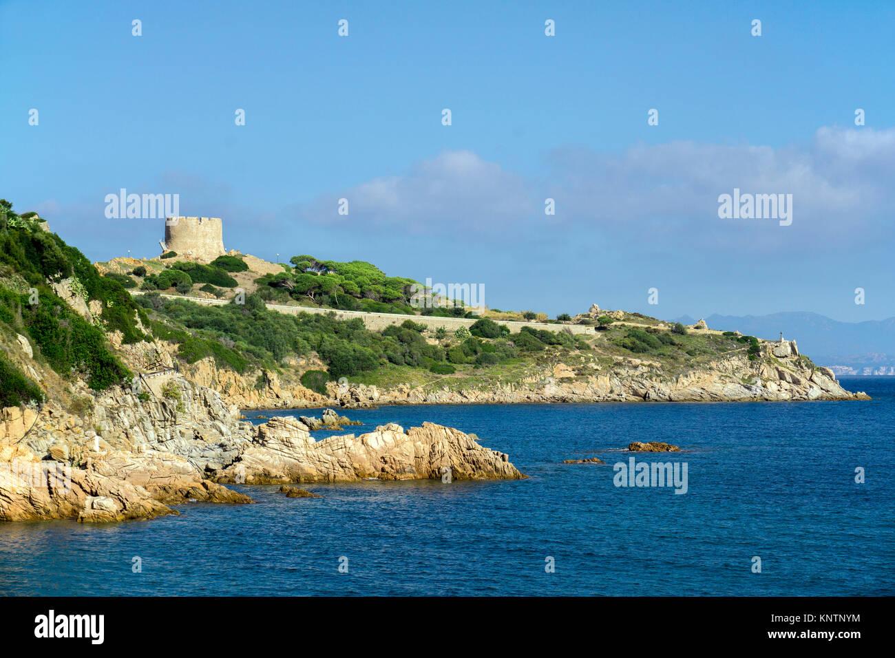 Torre di Longonsardo, Langosardo Turm an der Küste von Santa Teresa di Gallura, Sardinien, Italien, Mittelmeer, Stockbild