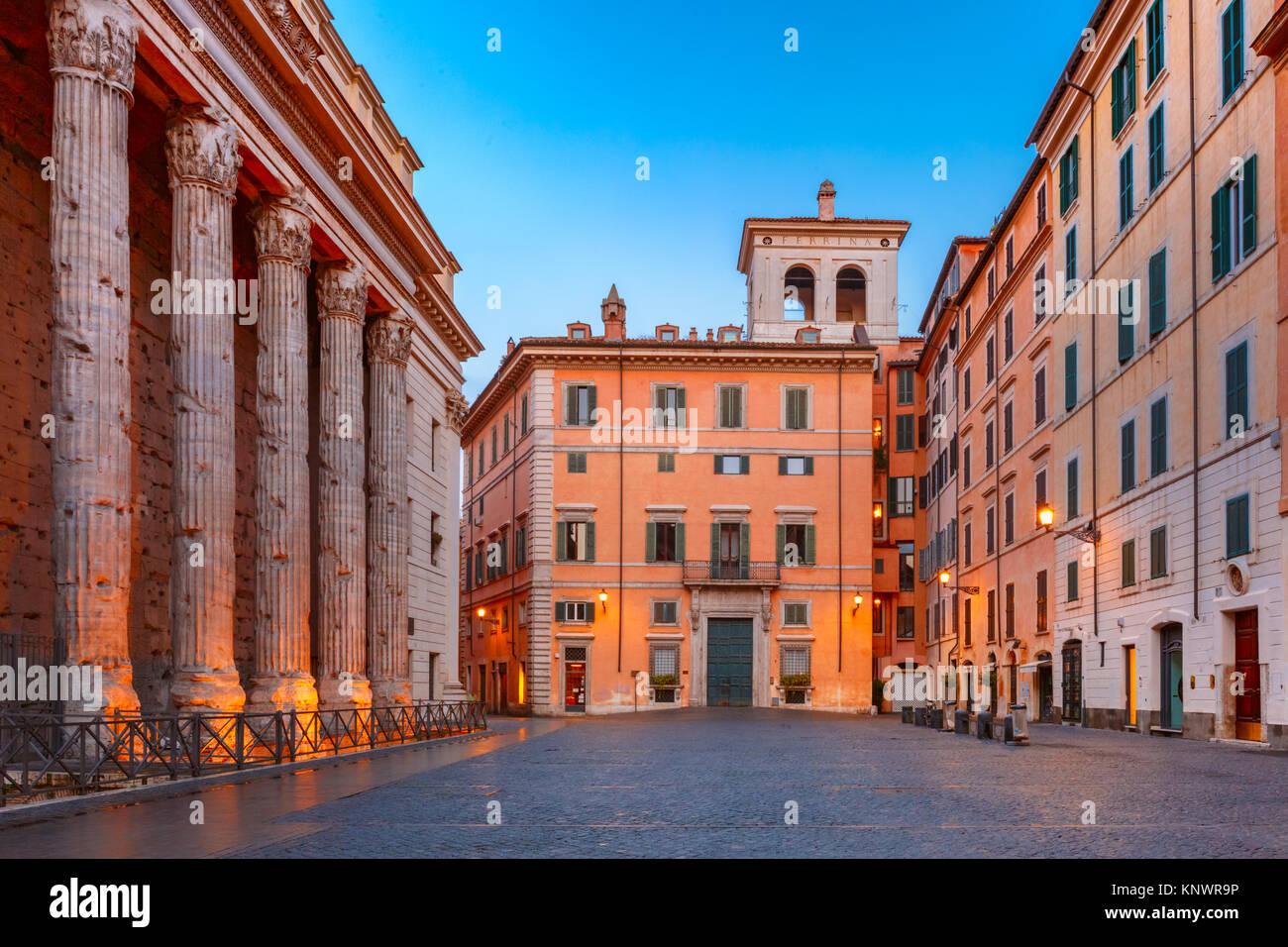 Piazza di Pietra in Rom, Italien. Stockbild