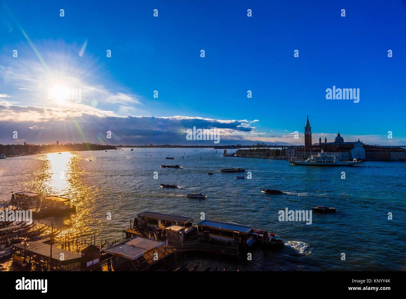 Blick über die Lagune von Venedig zur Kirche von San Giorgio Maggiore, Venedig, Italien. Stockfoto