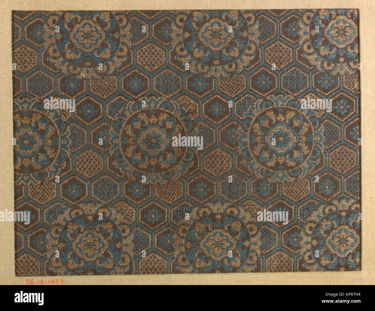 Stück. Datum: 18.-19. Jahrhundert; Kultur: Japan; Medium: Seide; Abmessungen: 5 3/4 x 7 1/2 in. (14.61 x 19.05 Stockbild