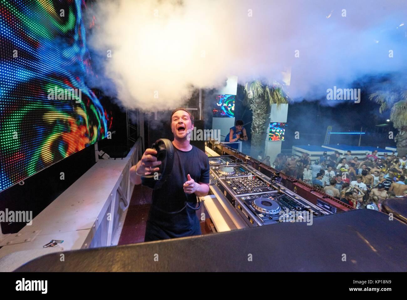DJ Kenneth G Spielen auf Musik Festival Starbeach in Hersonissos, Kreta, Griechenland, am 04. August 2017 Stockbild
