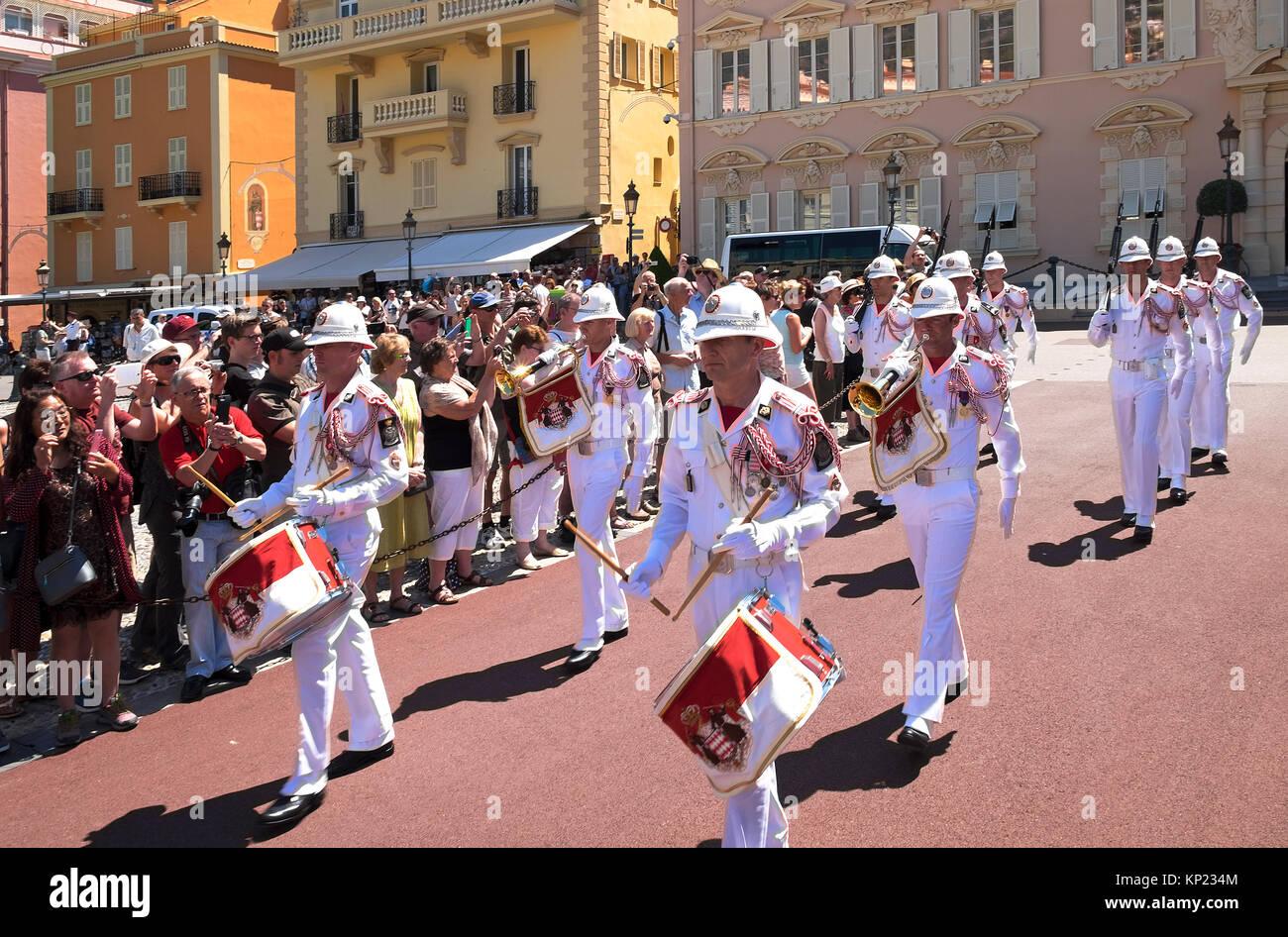 Den Wachwechsel am königlichen Palast in Monaco Stockbild