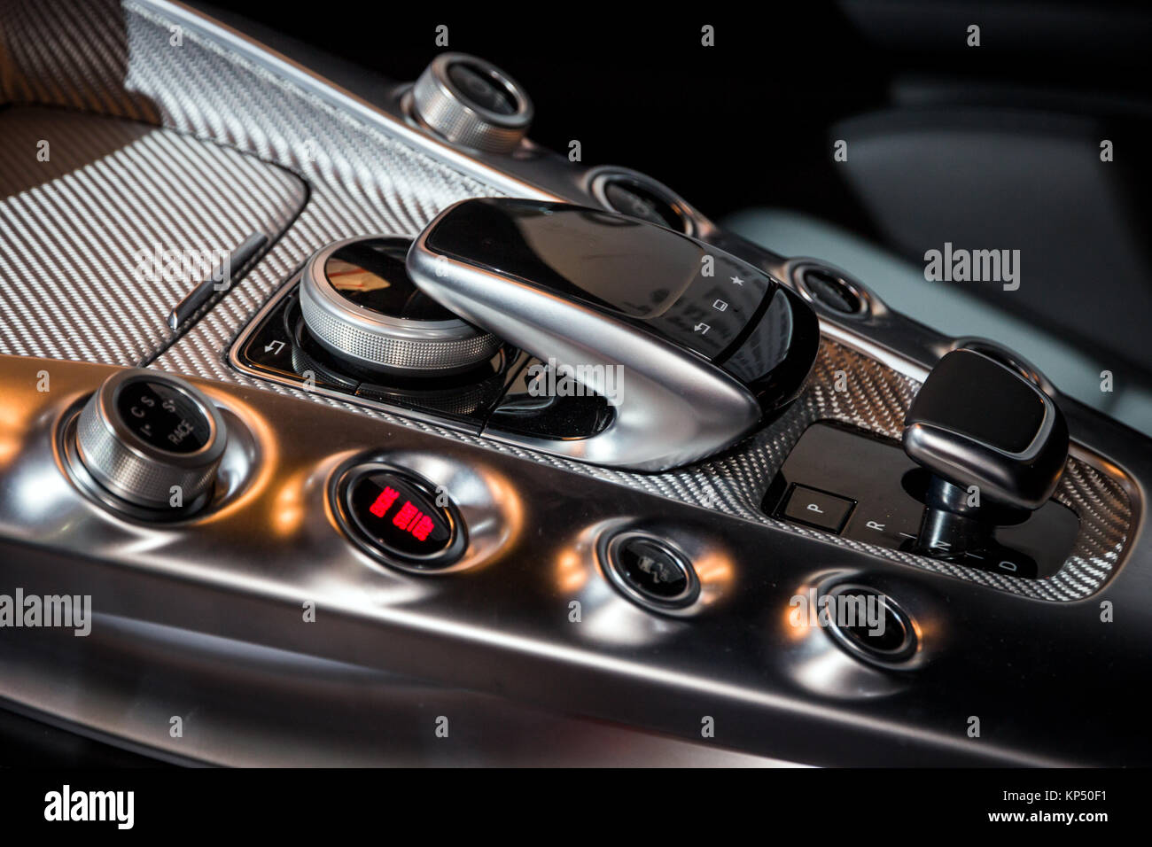 Middle Console Stockfotos & Middle Console Bilder - Alamy