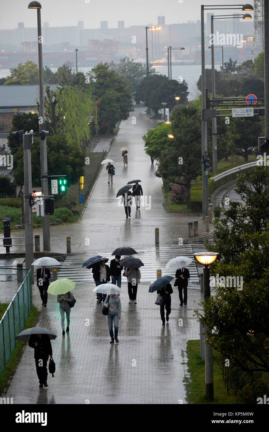 Menschen unter dem Dach in Odaiba, Tokyo, Japan, Asien. Stockbild