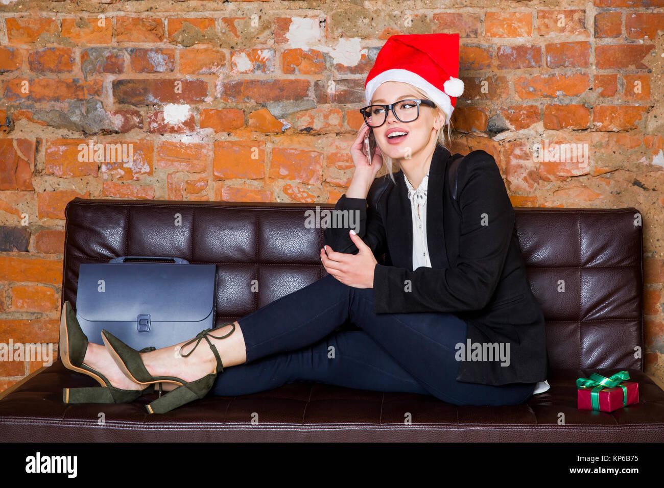 Weihnachten Zeit Im Buro Junge Schone Blondine Business Woman Auf
