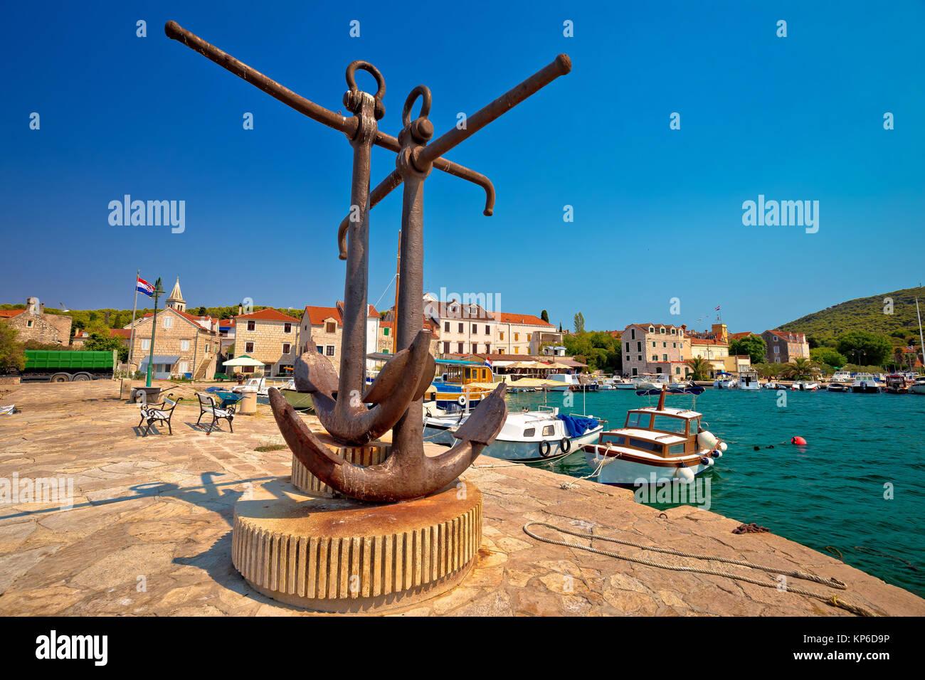 Insel Zlarin mit Blick aufs Wasser, Korallen Archipel von Sibenik Dalmatien, Kroatien Stockbild