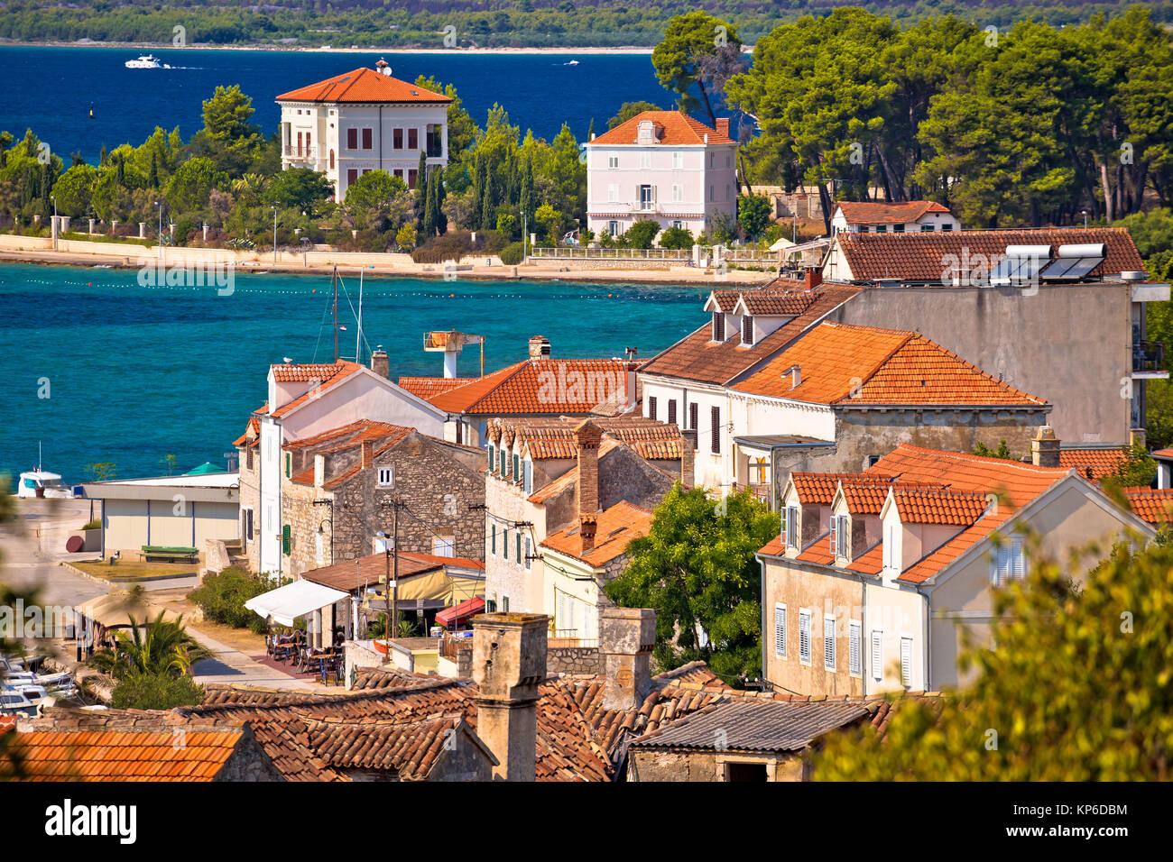 Insel Zlarin Waterfront und Architektur, Archipel von Sibenik Dalmatien, Kroatien Stockbild