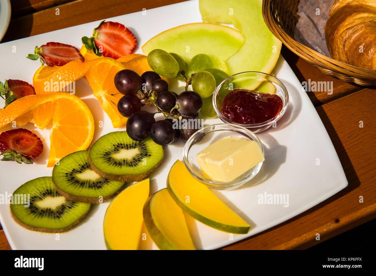 Obstteller, Fruehstueck - Obst zum Frühstück Stockbild