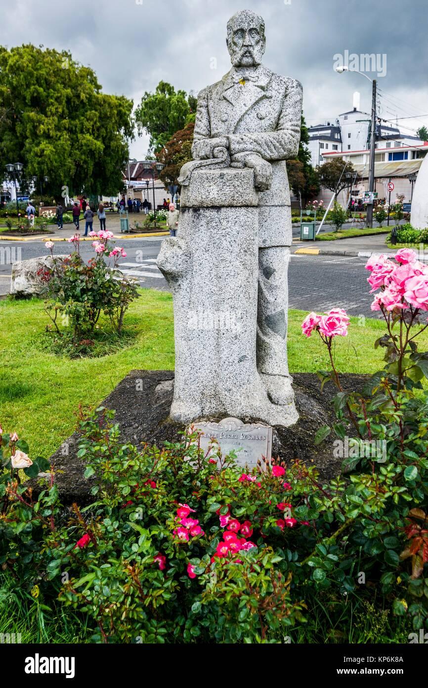 Statue von Vicente Pérez Rosales (1807-1886, Kolonisation agent), Plaza de la Colonizacion (Kolonisation Square), Stockbild