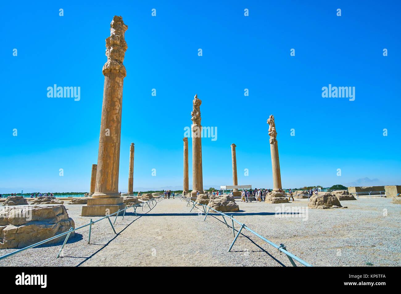 Die erhaltenen Säulen der Apadana Palace, Aula der Alten zeremoniellen Hauptstadt des persischen Reiches, Persepolis, Stockbild