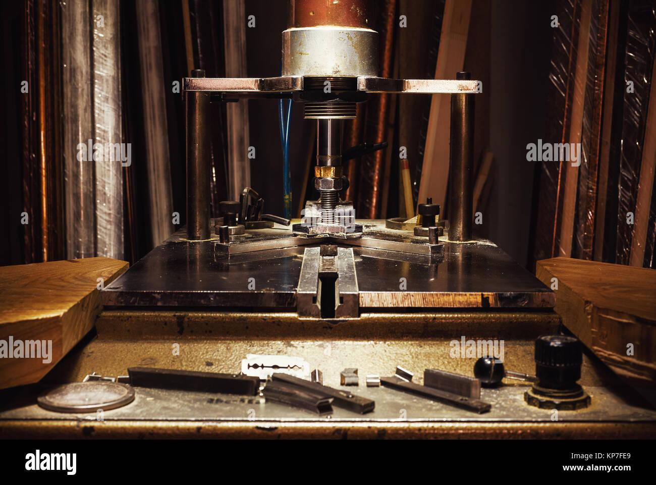 Alten retro Maschine für das Gestalten von Bildern, Teil des Framing ...
