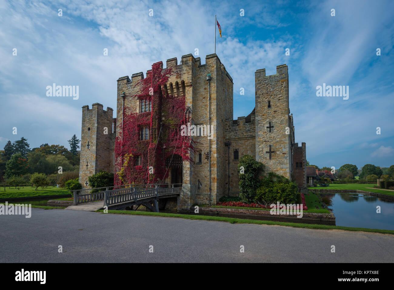 Hever Castle in der Nähe von Edenbridge, dem Sitz der Familie Boleyn, Kent, Vereinigtes Königreich Stockbild