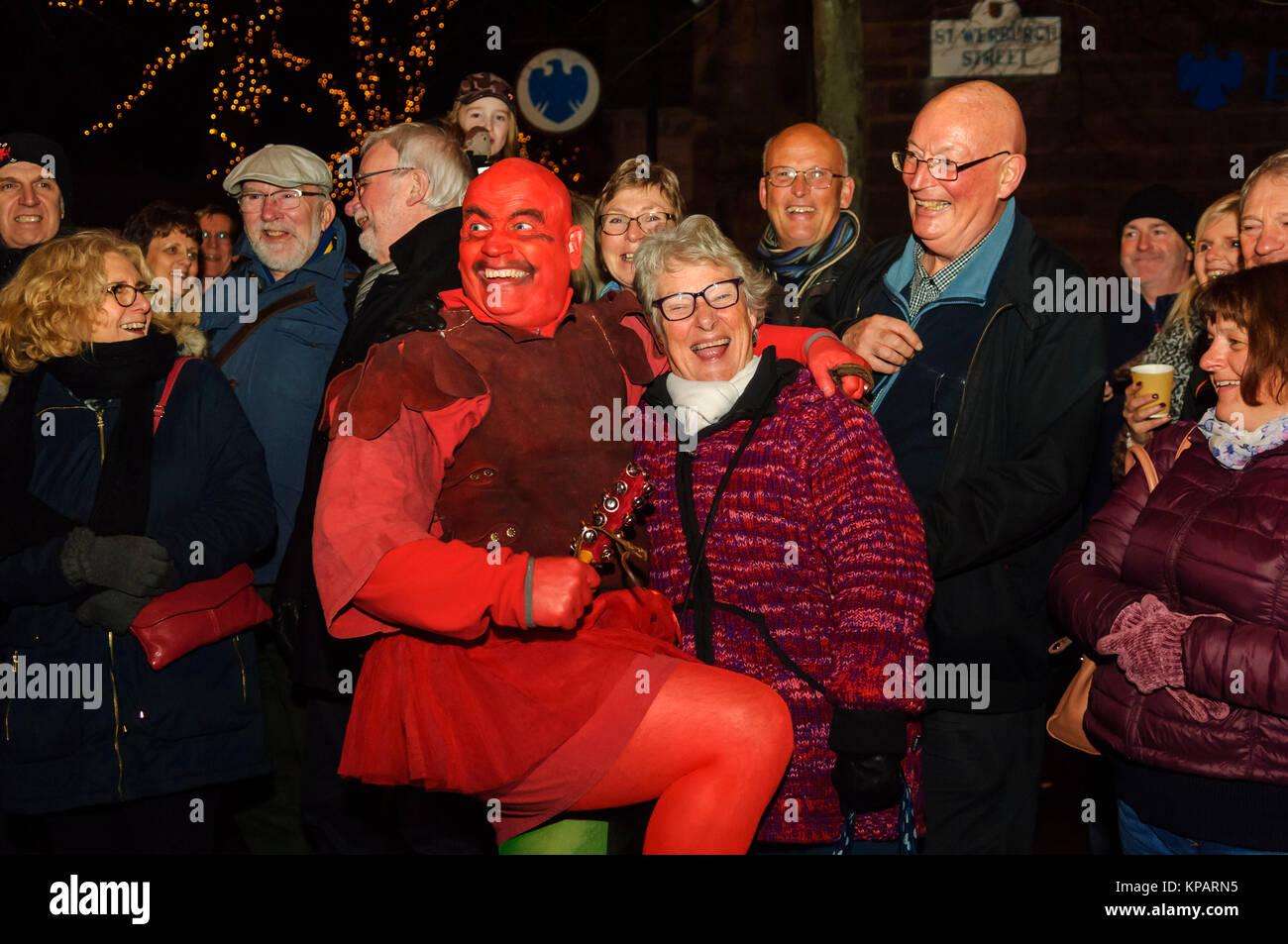 Chester, UK. 14 Dez, 2017. Re-enactors feiern Chester Saturnalia ...
