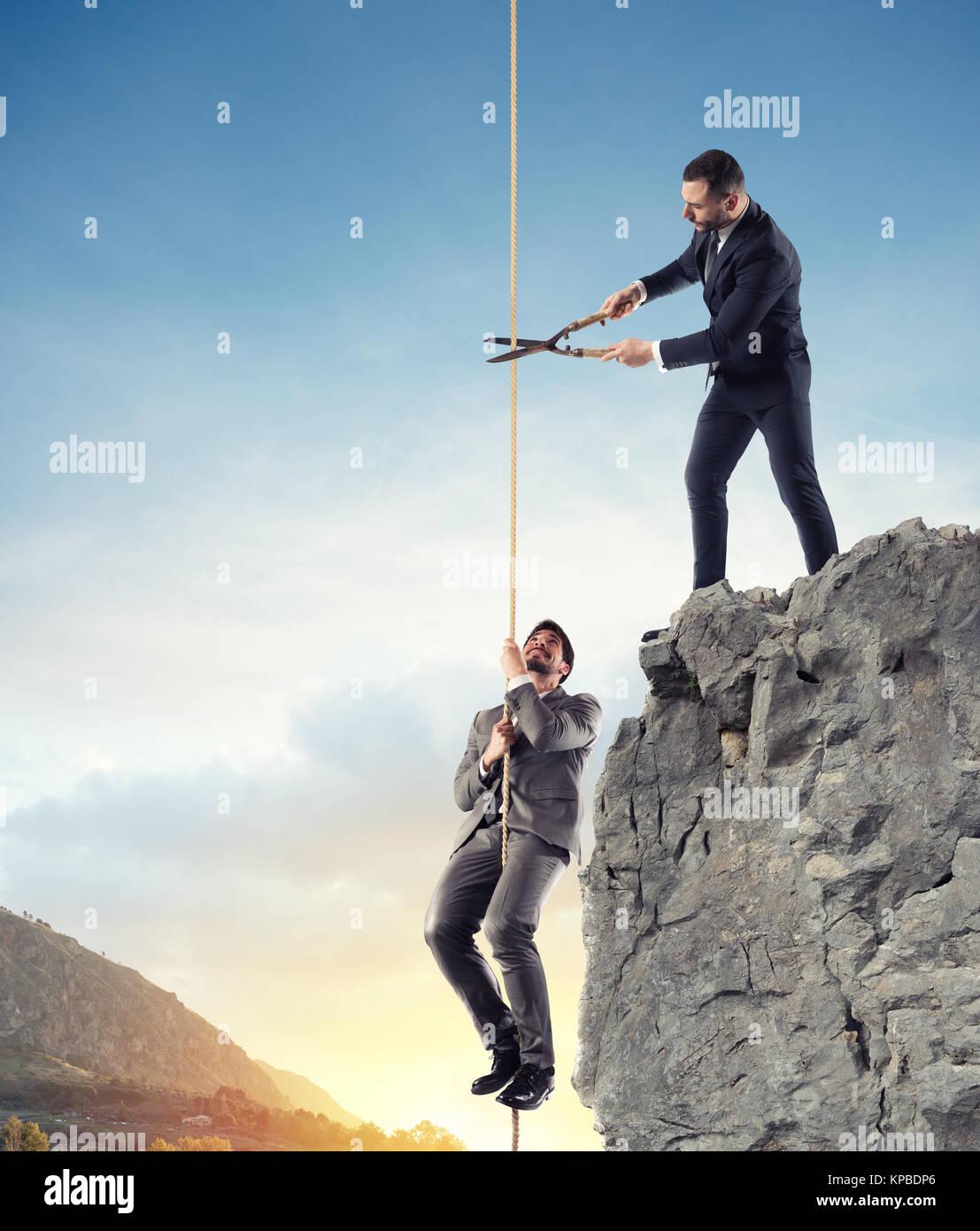 Unternehmer, die nicht einen Konkurrenten helfen. Konzept des unlauteren Wettbewerbs Stockbild