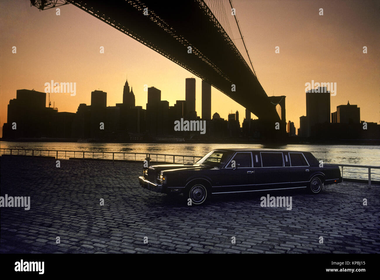Lincoln Town Car Stockfotos Bilder Alamy 1973 1987 Historische Stretch Limo Ford Motor Co 1985 Brooklyn Bridge