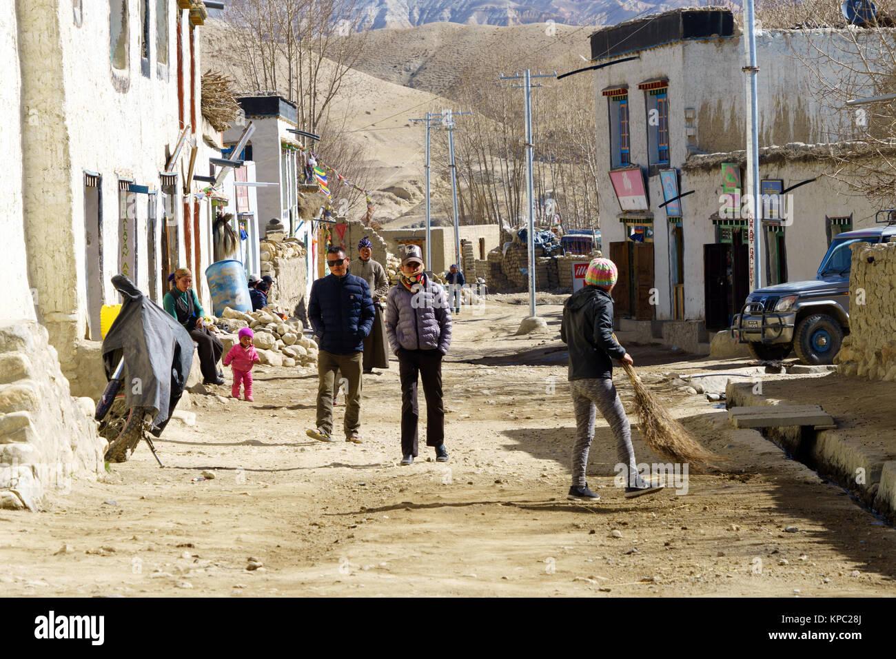Street Scene, Lo Manthang, Upper Mustang, Nepal. Stockbild
