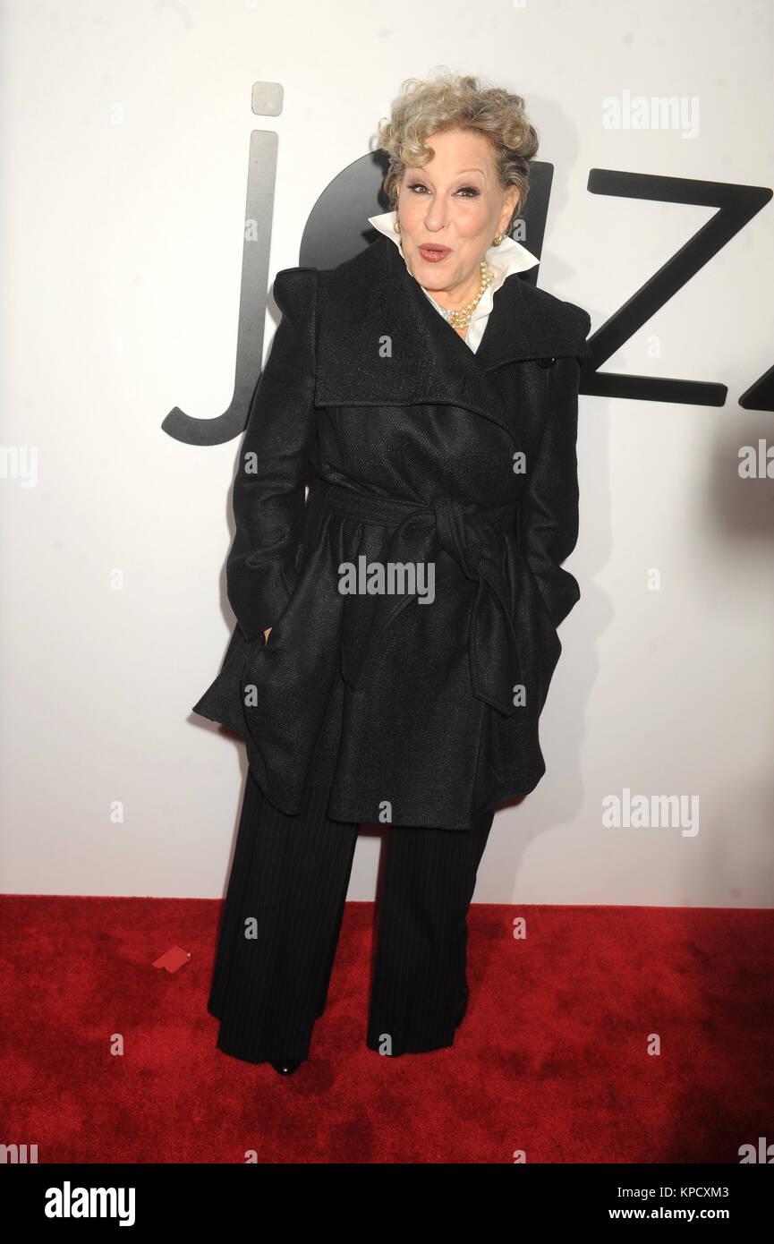 NEW YORK, NY - Dezember 17: Bette Midler besucht Jazz im Lincoln Center Ertegun Atrium und Ertegun Hall of Fame Stockfoto
