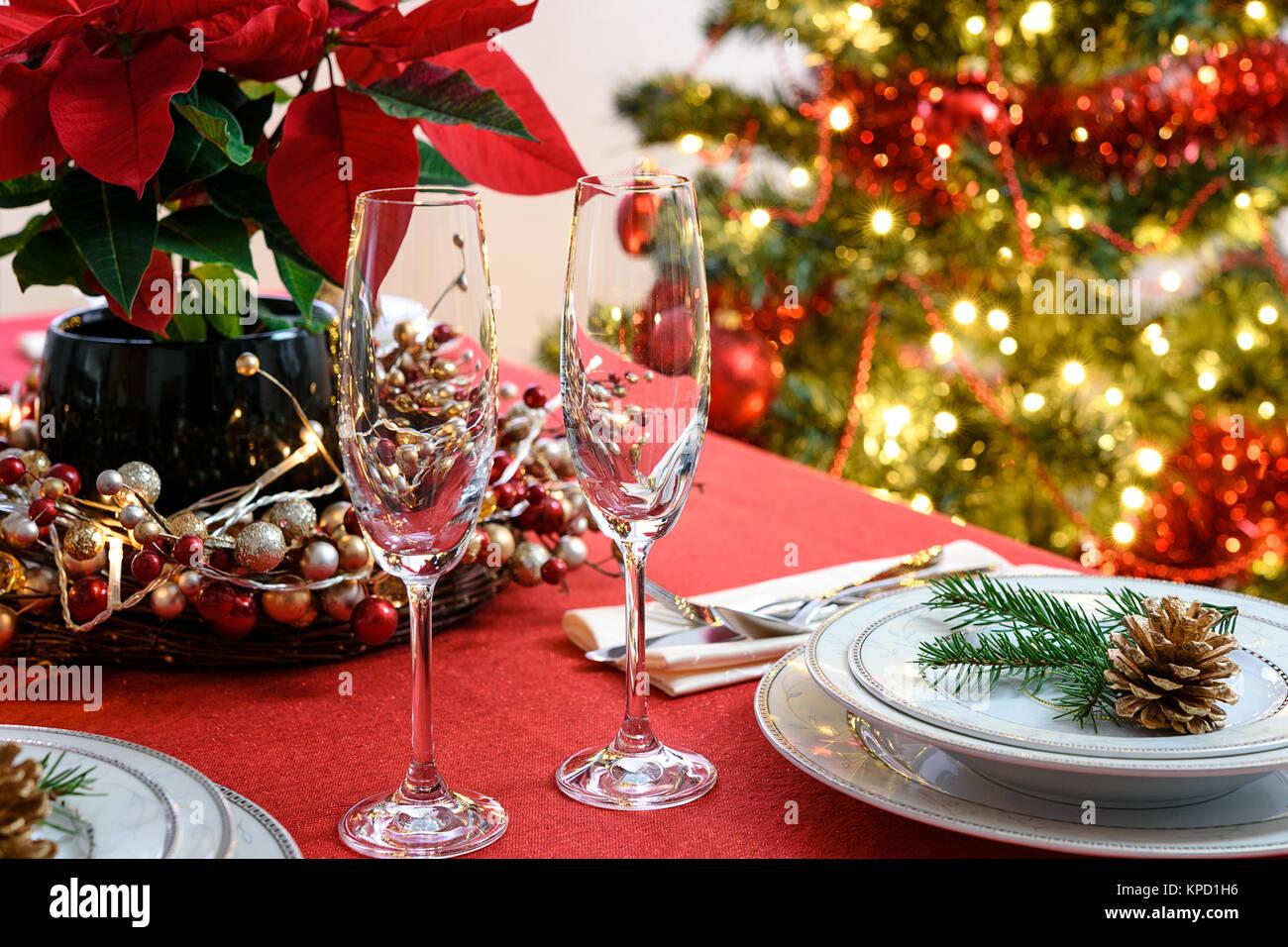 Weihnachten oder silvester tischdekoration konzept for Tischdekoration weihnachten dekoration