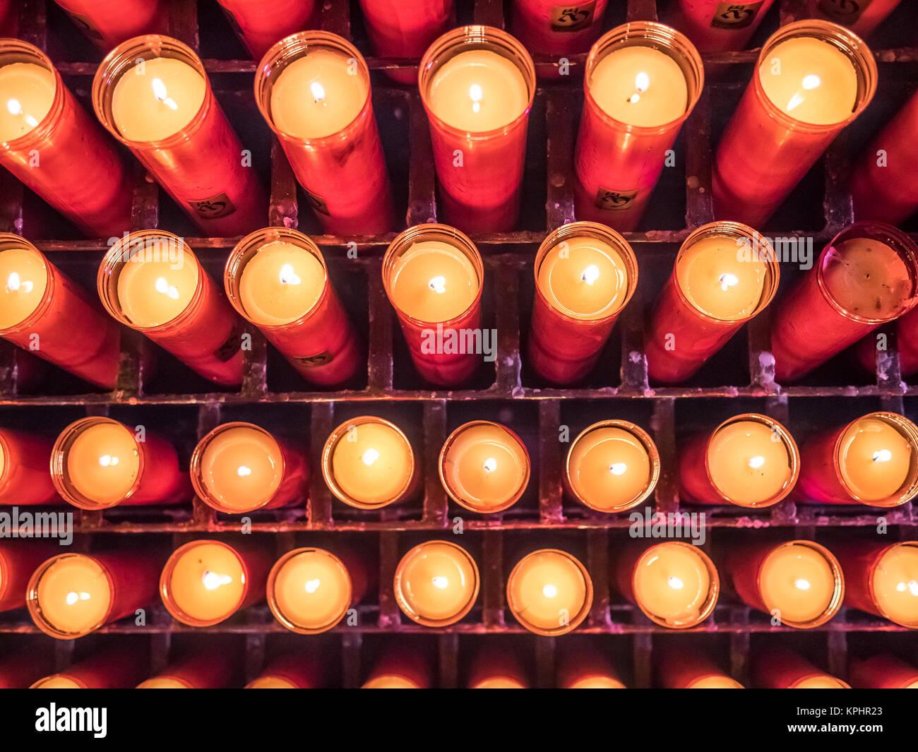 Die Kerzen der Montserrat Abtei Stockbild