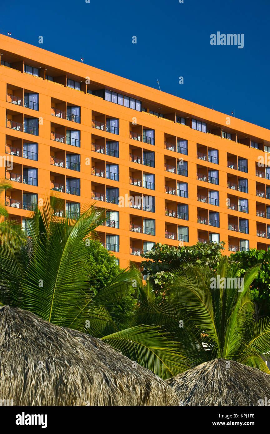 Mexiko, Guerrero, Ixtapa/Zihuatanejo. Playa del Palmar / Orange Beach Condominium Stockbild
