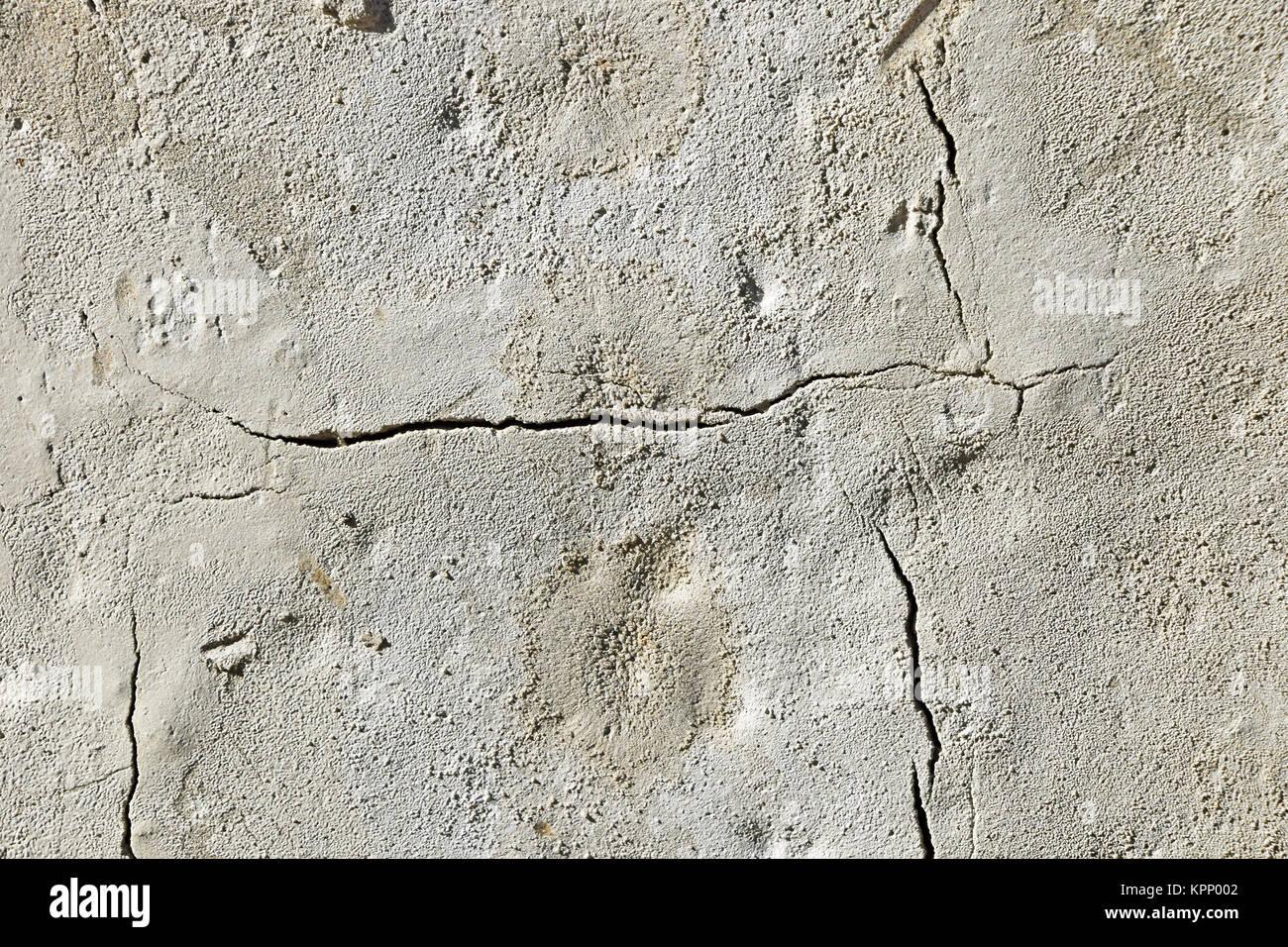 crack in concrete stockfotos crack in concrete bilder alamy. Black Bedroom Furniture Sets. Home Design Ideas