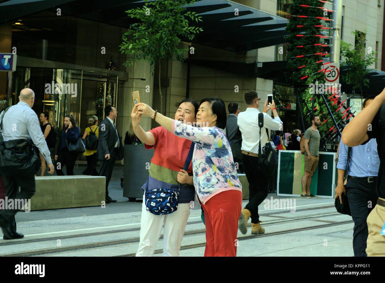 asiatische Damen in Australien