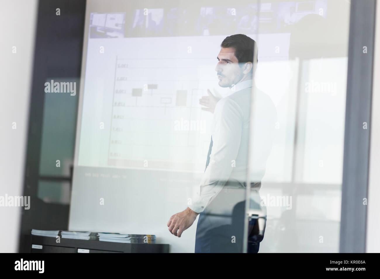 Business-Präsentation auf Geschäftstreffen. Stockbild