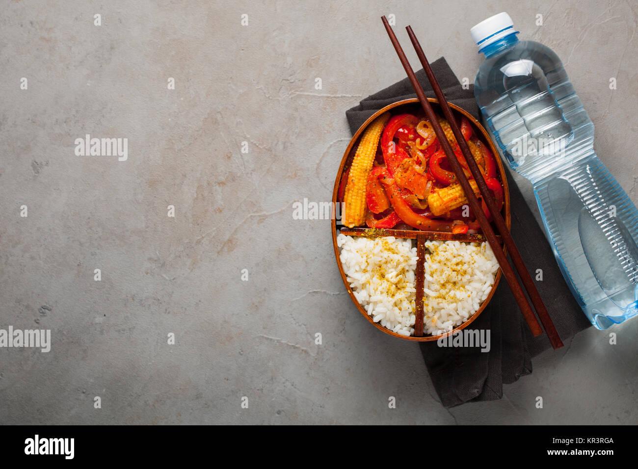 Holz Mittagessen Safe Mit Gesunden Lebensmitteln Bereit Bei Der