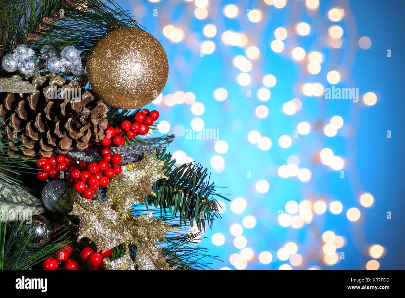 Weihnachtsdekor, Ornamente. Tannenzweigen, Stechpalme Beeren, Pine ...