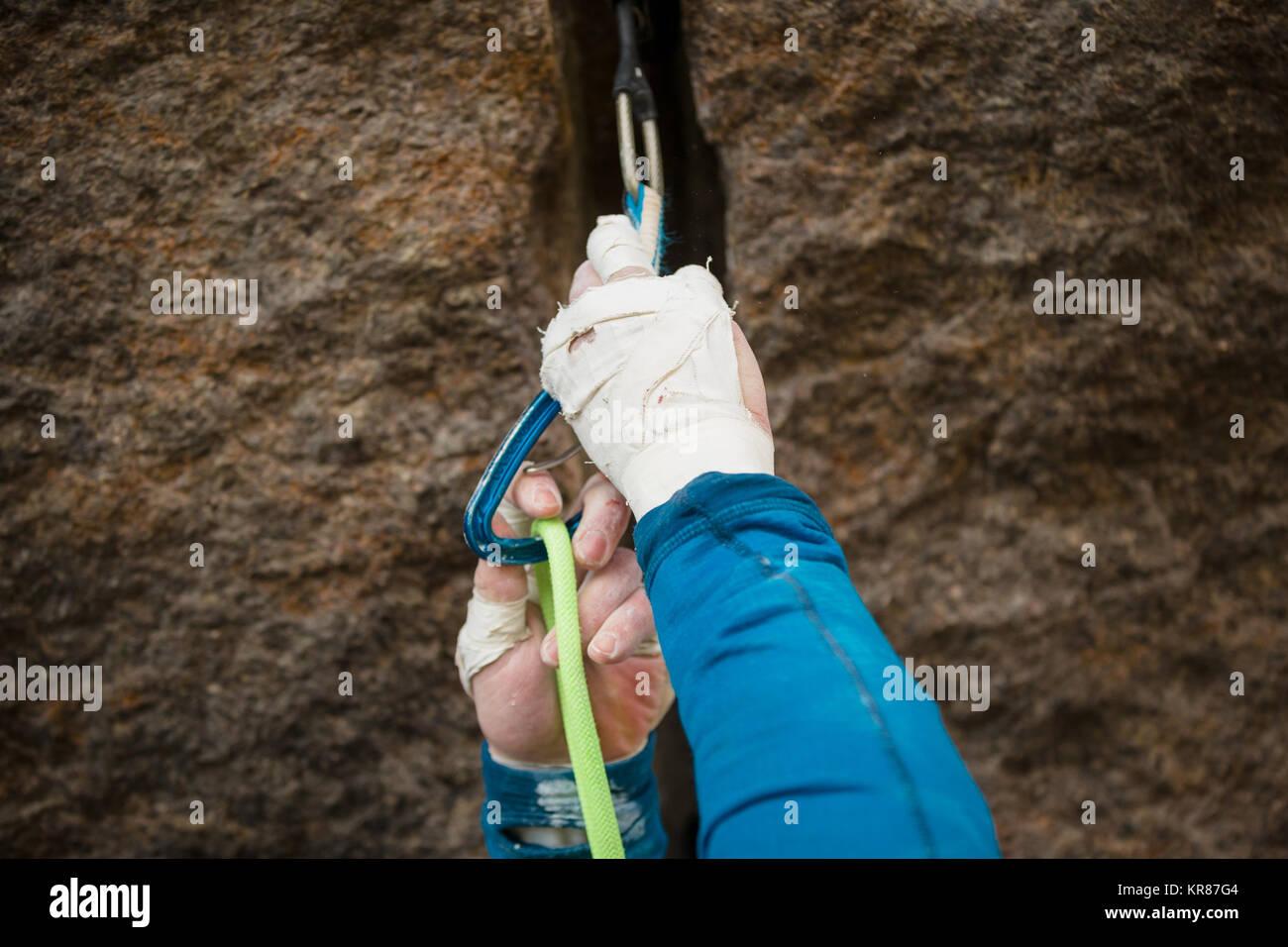 Klettergurt Mit Seil : Klettergurt aus seil binden abseil montage ohne spezielle