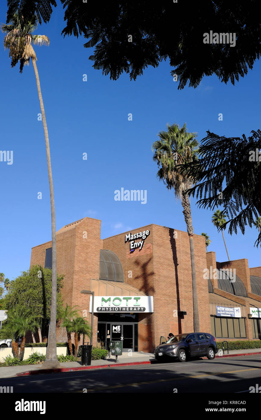 Massage Envy Beauty Spa Auf Hillhurst Avenue Im Stadtteil Los Feliz In Angeles Kalifornien USA KATHY DEWITT