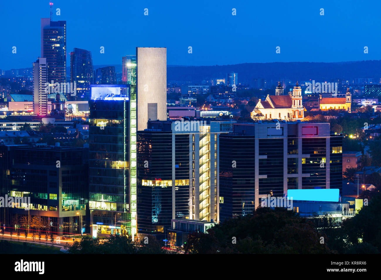 Litauen, Vilnius, Stadtbild bei Nacht Stockbild