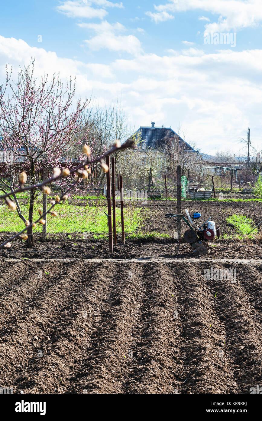 Garten Boden Und Deichsel In Dorf Pflug Stockfoto Bild 169246662