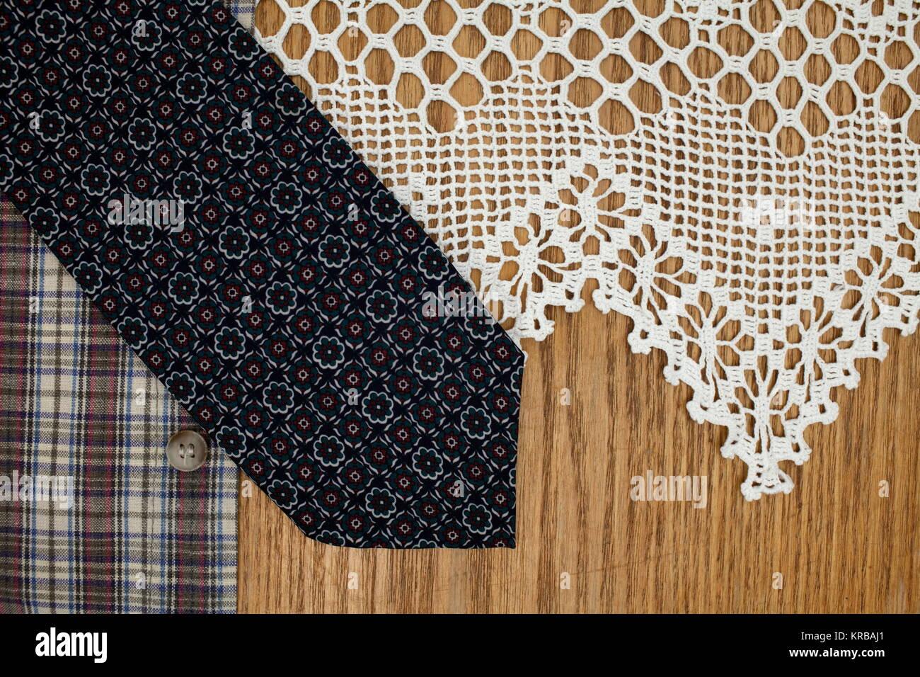 Der Mann Krawatte, Hemd, spitze Serviette konzeptionelle Bild eines klassischen Stil in der Mode Stockbild