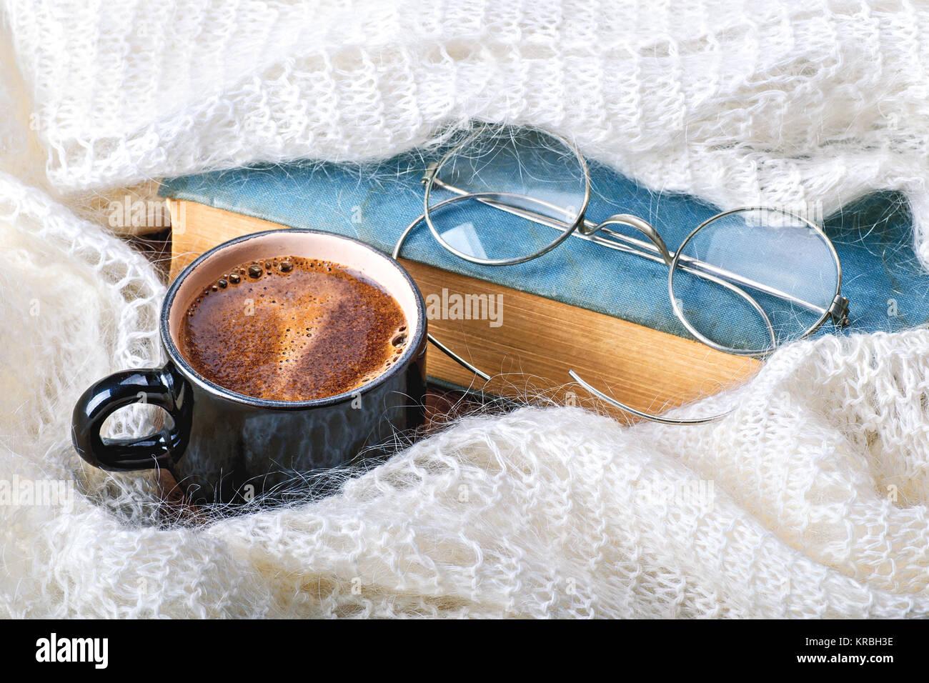 Eine Tasse Kaffee Schal Pullover Oder Warmem Plaid