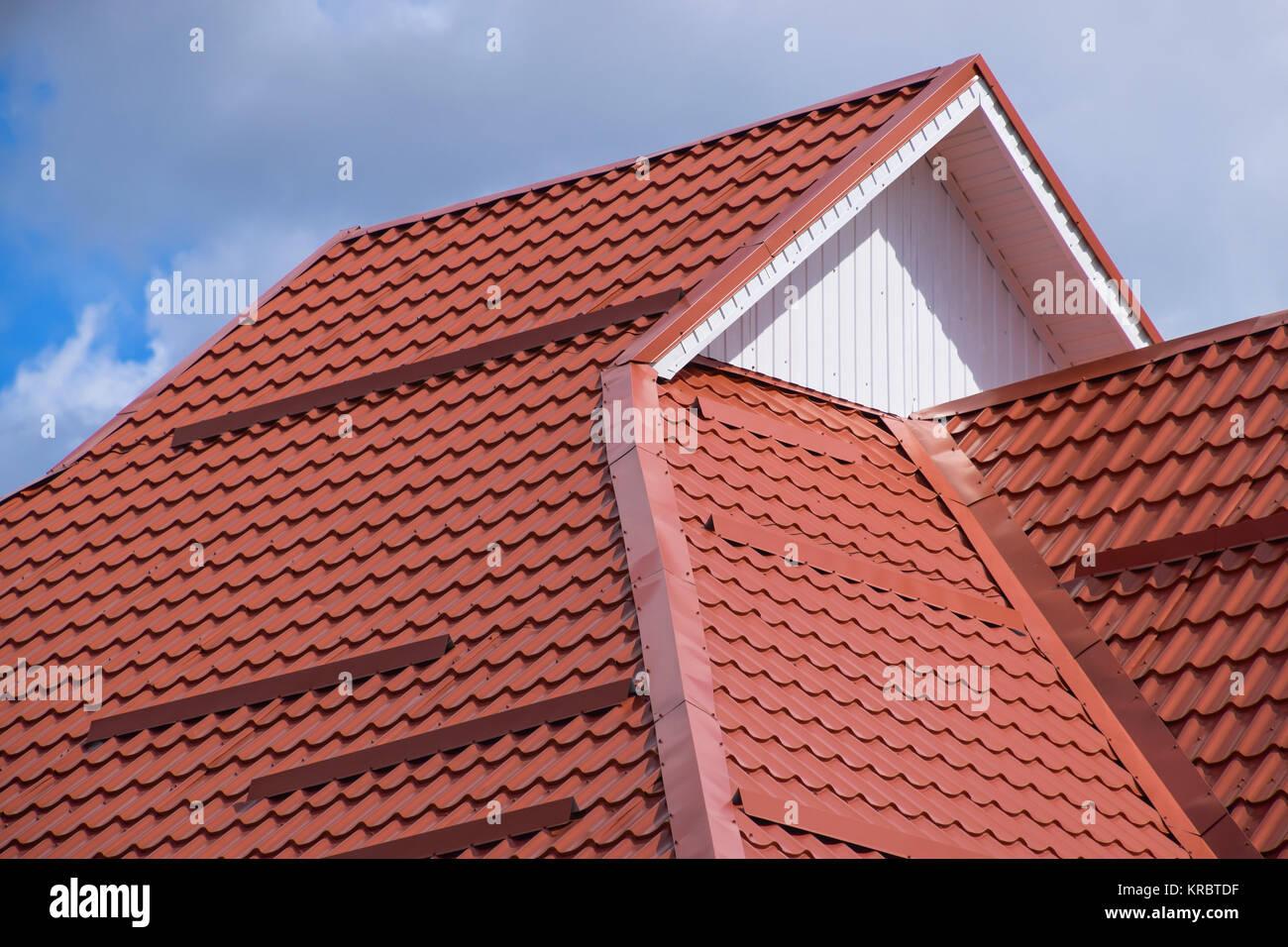 das dach aus wellblech rot orange stockfoto bild. Black Bedroom Furniture Sets. Home Design Ideas