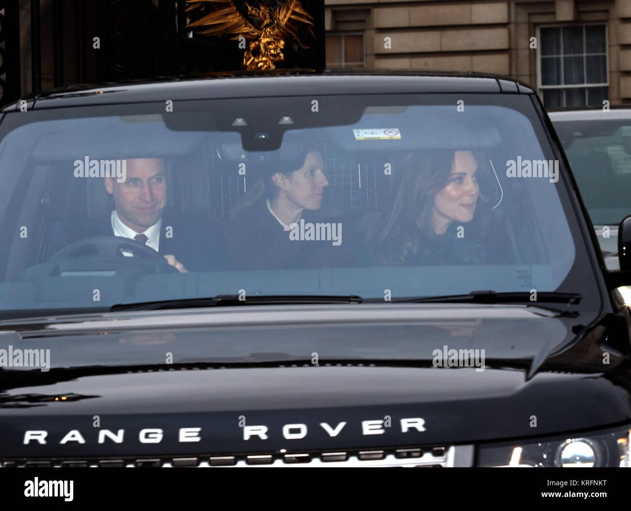 London, Großbritannien. 20 Dez, 2017. Prinz William, Herzog von Cambridge, und Kate (Catherine Middleton) Herzogin Stockbild