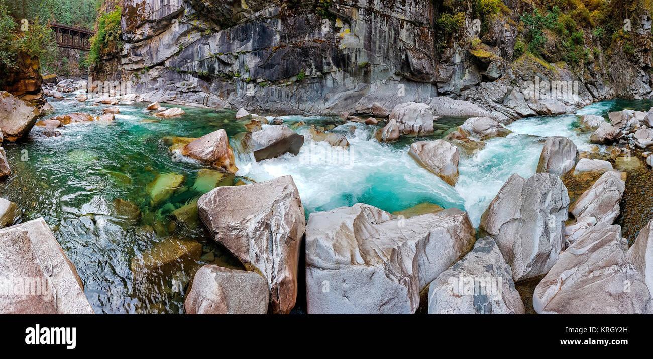 Coquihalla River in den Coquihalla Canyon Provincial Park in der Nähe von Hope, British Columbia, Kanada. Stockfoto