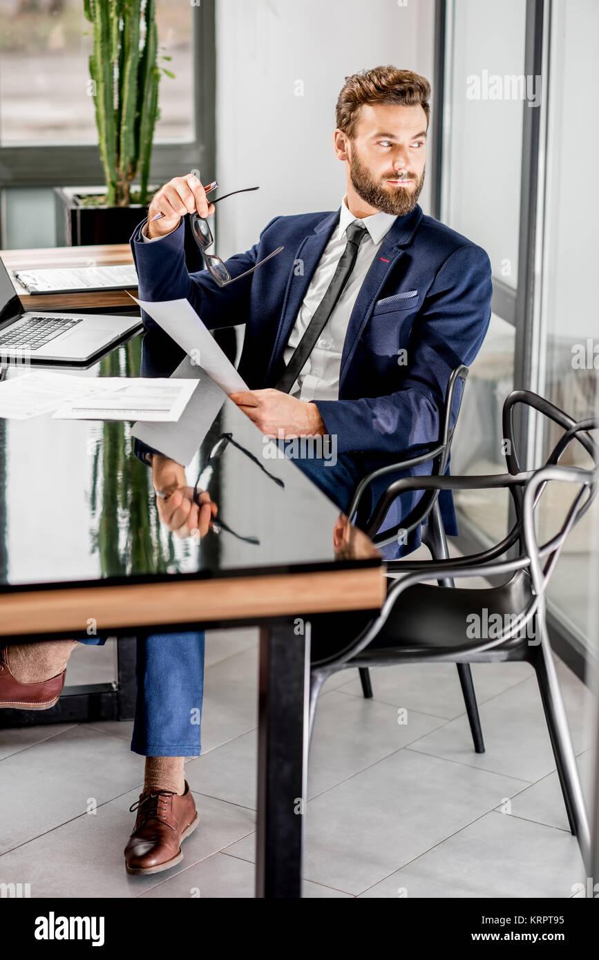 Banker Im Buro Arbeiten Stockfoto Bild 169532417 Alamy