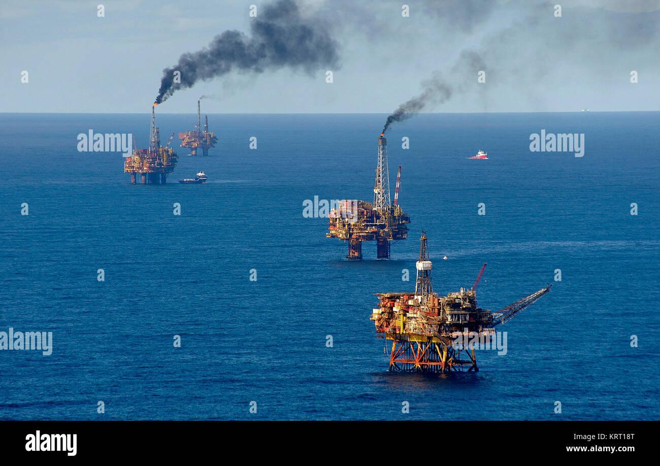 Nordsee, Öl Produktion mit Plattformen. Luftaufnahme. Brent Oil Field. Stockbild