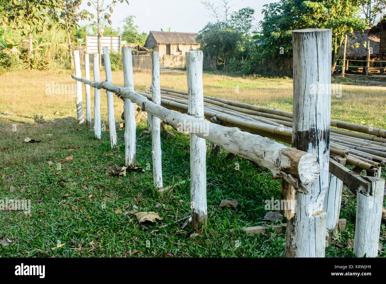 Foto Von Zaun Der Mit Holz Gemacht Wird Stockfoto Bild 169593797
