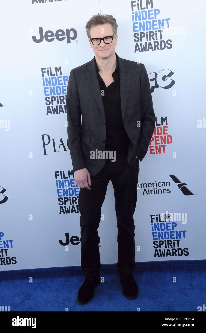 SANTA MONICA, CA - 25. Februar: Schauspieler Colin Firth besucht 2017 Film Independent Spirit Awards am 25. Februar Stockbild
