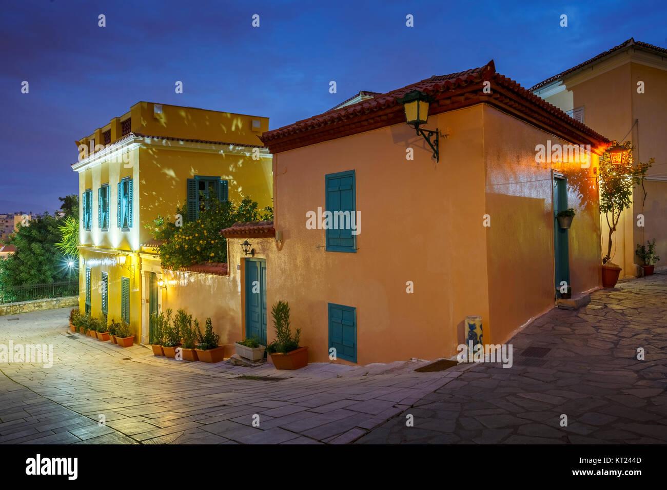Architektur in der Plaka, der Altstadt von Athen, Griechenland. Stockbild