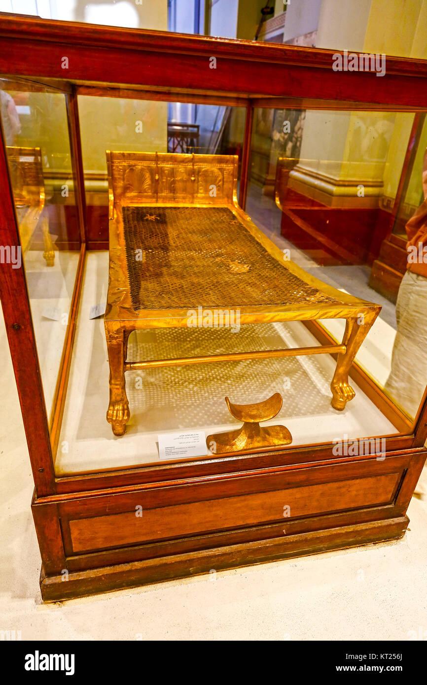 Tutanchamun Grabkunst Bett oder Couch von König das Grab von ...